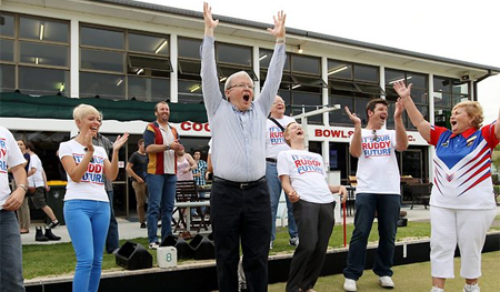 Kevin Rudd Barefoot Bowls